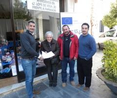 María Infante, en el momento de recibir su premio.