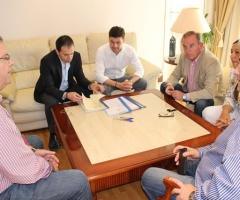 La firma ha tenido lugar en el despacho de Alcaldía.