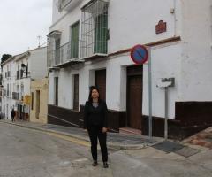 Labao, delante de las casas que el Ayuntamiento adquirirá para recuperar la muralla.