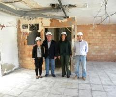 Delgado Bonilla y Labao, junto a los responsables de la dirección de la obra.